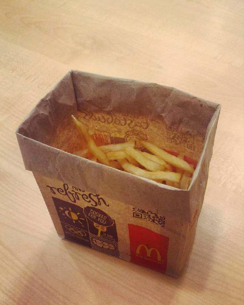 薯條最新吃法「只靠1個紙袋」!醬料鹽巴零沾手「秒變貴族料理」…網友佩服到跪了!