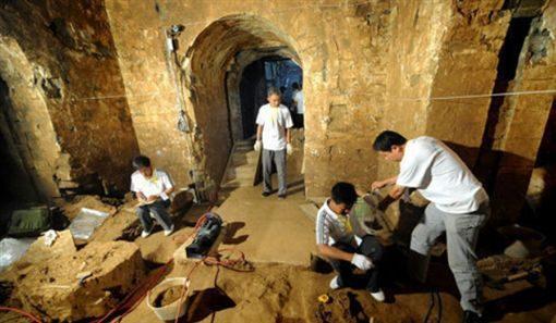 「曹操」遺骸找到了!躲了1800年在河南被發現,旁邊還有「兩具神秘女遺骸」考古專家這樣解釋!